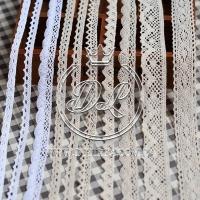 Кружево вязаное