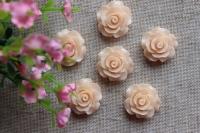 С-ка роза акрил 2 см , кремовая