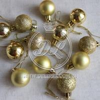 Набор новогодних шариков , золото