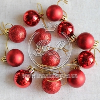 Набор новогодних шариков , красный