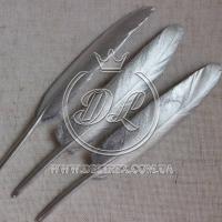 Перья длинные, серебро