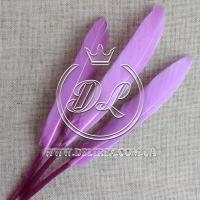 Перья длинные, фиолетовые