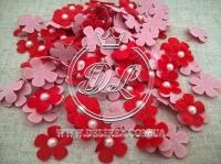 Цветок с полубусиной -красный