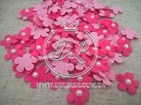 Цветок с полубусиной -яр.розовый